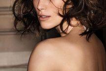"""Keira Knightley """" Actrice """" / Actrice britannique née en 1985 à Teddington dans le Middle sex. Egérie de Coco Chanel. A tourner dans Star Wars, Pirates des Caraîbes et autres."""