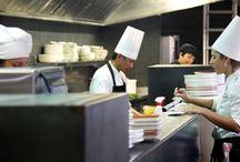 Cuines Mexico > En Compañía de Lobos / Comer entre barras y cocinas con platos de mercado mexicanos, mediterráneos, asiáticos y vegetarianos. Mexico DF, Mexico. Diseñado por Sandra Tarruella Interioristas.