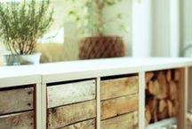 DIY meble / Zmotane własnoręcznie meble ze starych desek, palet i różnych staroci