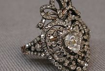 Antique & Vintage Jewelry / by Susanna Delon