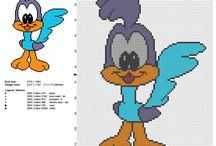 Looney Tunes free cross stitch patterns / Looney Tunes free cross stitch patterns, cartoons, Tweety Bird, Silvester Cat, Lola Bunny, Daffy Duck...