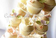 Wedding cupcakes / Dress, cake, heart, flowers, vintage, bride, groom, i do, wedding, wedding shower, favours