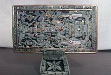 Lo Prehispánico / Preciosas replicas estilizadas de arte prehispánico, elaboradas en cerámica