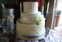 Wedding Cakes (ruffles) / Upward and downward ruffle design