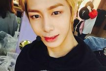 Monsta X / hyungwon; tho