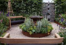 15 Ways To Turn A Backyard Garden Into An Enchanting Sanctuary
