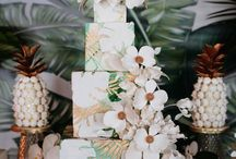 {Styled Shoot} Tropical Glam Sweet Table