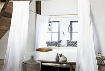Bedding and Bedrooms Ideas / A collection of ideas for natural bedroom decor and bedding