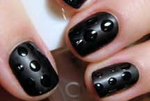 Frisuren & Nageldesigns