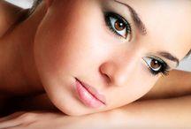 Kalıcı makyaj / Günün her saatinde bakımlı, canlı, güzel görünmek isteyen kadınların imdadına kalıcı makyaj yetişiyor. En hassas ciltlere bile, hiçbir alerji riski taşımaksızın uygulanabilen bu makyaj türü, hem zamandan hem de paradan tasarruf sağlıyor.