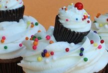 Cakes- Cupcakes & Minis / A collection of cupcakes and mini cakes