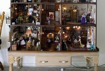 Historical dollhouses