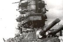 military / warship/destroyer/submarine/