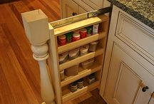 Organization Tips / Get organized and cleaning up the mess.