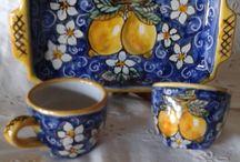 Servizio da caffè téte a téte in  ceramica.
