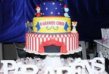 BOLOS CENOGRAFICOS BISCUIT / Vendo e alugo Visite minha pagina https://www.facebook.com/elizete.santos.3910, Trabalhamos também com bolos e doces personalizados em pasta americana