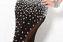 Black & silver / by Mona Aboulfetouh