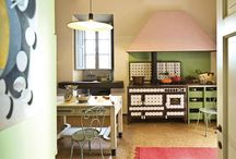 My absolute favorite kitchen. I like the colors so much.