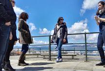 Vigo a pie: mar, historia y gastronomía. / Si hay un elemento que diferencia Vigo y a su gente es la relación que tienen con el mar. Personajes históricos también lo saben. En esta ruta descubriréis la importancia del mar en el desarrollo de la ciudad y en su gastronomía, degustando algunos de sus productos más típicos.