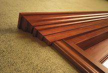 Collezione JANIN / La vera porta in legno. Janin è una porta in massello con uno spessore di 50 mm. Un eccellenza di FBP che può essere realizzata in diverse essenze per sfruttare al meglio la forza che questa porta sa trasmette e l'energia che racchiude. Una porta senza compromessi.
