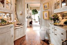 Traditional decor / Be inspired by traditional yet tasteful home design.