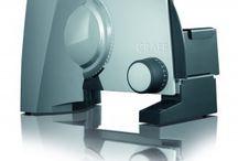 Graef Snijmachines /   Graef, eerlijke producten voor dagelijks gebruik: innovatief, duurzaam en functioneel.  Graef staat voor hoogwaardige, gebruiksvriendelijke kwaliteitsprodukten. Al sinds 1967 worden de snijmachines van Graef stuk voor stuk met de hand geassembleerd in de fabriek in Arnsberg, Duitsland. De Snijmachines van Graef staan garant voor een perfect snijresultaat en een lange levensduur!