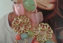 orecchini pietre e coralli