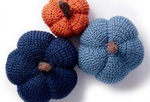 Free crochet pumpkins
