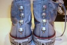 VINTAGE / Personalizzazione con borchie e teschi di Converse All Star e Nike Blazer