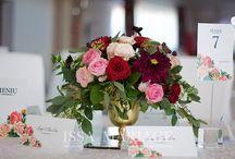 Aranjamente florale nunta vaze aurii