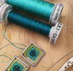 Ganchillo de autor - Complementos / Joyas contemporáneas de crochet complementos con responsabilidad social, sostenibilidad, singularidad y calidad.