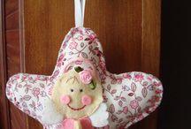 ANGELITOS ESTRELLAS / Un detalle para los más pequeños de la casa unas estellas de tela con un angelito de fieltro
