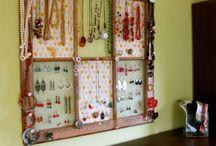 DIY - Jewelry Holder / Great Jewellery Storage Solutions / by Jen Owens