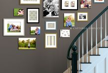 Bildevegg i trappa