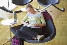 Lobby und Lounge Einrichtungsideen / Auf der Suche nach Möbeln uns Sitzgelegenheiten für Eingangshallen, Lobby oder Lounge-Bereiche? Egal ob im privaten oder kommerziellen Gebrauch. Designklassiker bieten nicht nur ein hohes Maß an Komfort, sondern sind in jedem Fall ein optisches Highlight.