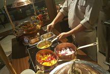 Somvaar Bazaar in Chor Bazaar / dinner with family in Movenpick Hotel ibn batuta gate