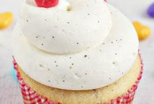 cupcakes and more baking ideas / by Laura Lopez
