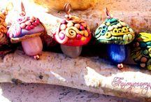 ๑ஐ๑Fantasy Mushrooms๑ஐ๑ / Magic fantasy  little mushrooms in polymer clay https://www.facebook.com/pages/Fairymary-Jewels/208528805873162?ref=hl