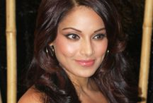 Actress Bipasha Basu Wallpaper   Famous HD Wallpaper