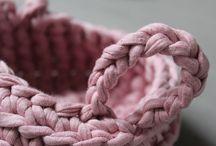 crochet / petites décorations en crochet faites main par Elle est très chouette !