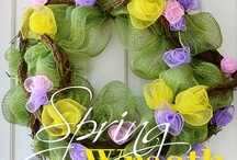 pretty wreaths / by Paula Lowery