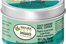 Daily Greens Meal Topper for Dogs and Cats / Daily Greens premium super foods, super fruits, Omega 3 and  and more! Premium nutrition to help top off meals for dogs and cats