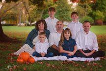 Family Photos Inspiration / by Christina Graham