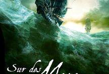 Sur des mers plus ignorées / C'est en 1718 que Jack devint un pirate des Caraïbes… Il voguait vers le Nouveau Monde quand son navire fut attaqué par des pirates. Le capitaine lui proposa de mourir tout de suite… ou de devenir l'un d'entre eux. Le choix fut vite fait ! Il dut rapidement apprendre à manier aussi bien la grand-voile que le sabre d'abordage.