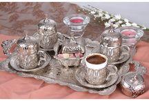 Osmanlı LALE Motifli 4 Kişilik Kahve Fincanı Seti - Gümüş Renk / Sınırlı Stok! - Fırsat Fiyatı: 74.90 TL.  http://kahveseti.com/kahve-setleri/lux-otantik-osmanli-lale-motifli-4-kisilik-kahve-fincani-seti-gumus