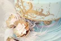 Blue and Gold Weddings / Wedding And Party Ideas In Shades Of Blue With Golden Accents.