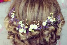 Flowers in the hair / Flower wreath for brides, hair styles with real flowers and blossoms headpieces
