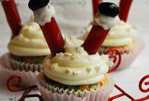 Just Cupcakes / by Raquel Ortega