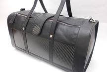 Easy Travel  / A perfect bag for short trips, made with leather and satin finish carbon fiber