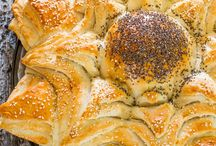 Sunflower shaped bread